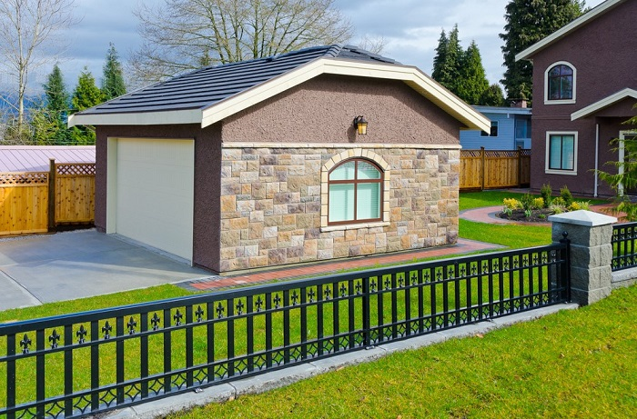 3 ways to fit a garage onto a narrow lot mom blog society for Adding a second story to a detached garage