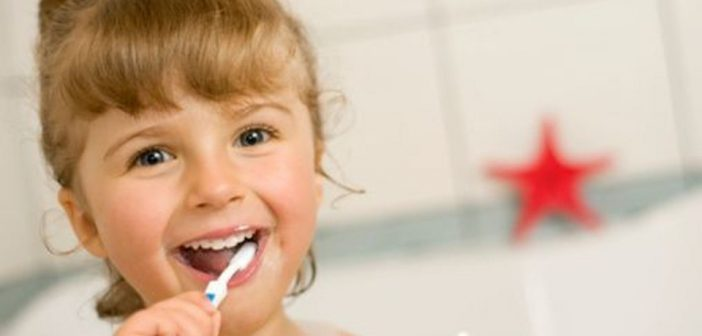 Quick Tip_Brushing a Toddler's Teeth! #Helpmommycom