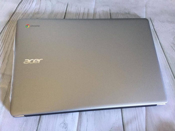 "Light and Stylish with a 15.6"" Screen the Acer Chromebook 15"