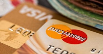 Ways to Avoid Credit Card Issues When You Are Traveling Abroad