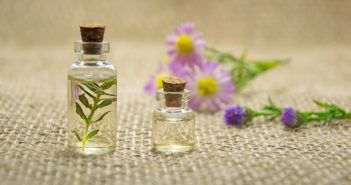 4 Ways That You Can Use Essential Oils to Live A Healthier Life 100%