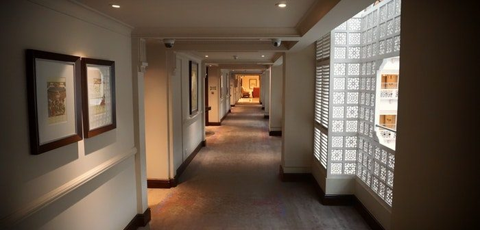 How to Capture a Warm and Welcoming Feel Within Your Hallway