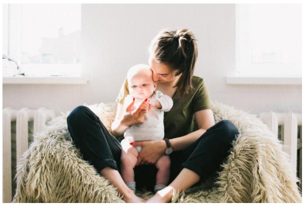BRESTFEEDING TIPS FOR NEW MOMS