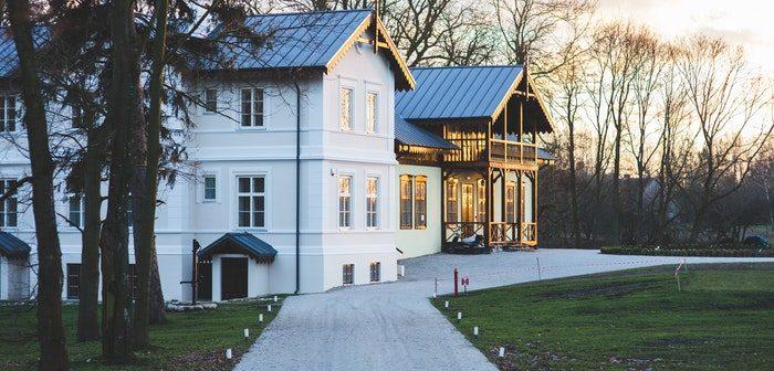 Advantages of Choosing a Metal Roof