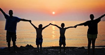 4 Tips for a Stress-Free Family Vacation