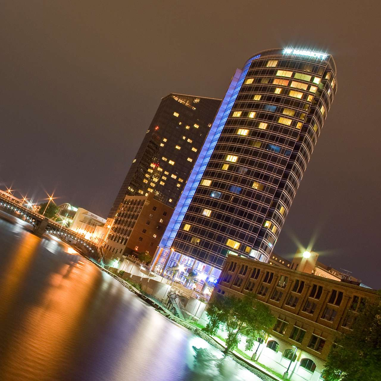 Rooms: The Amway Grand Plaza Review, An Experience We Will Never