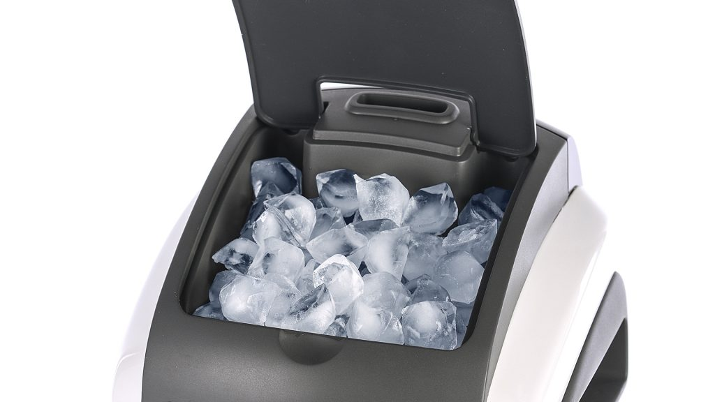 quilo ice compartment with solid cover for web