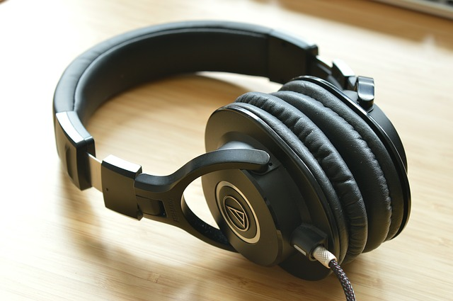 Types of Headphones  - Which One Should You Get