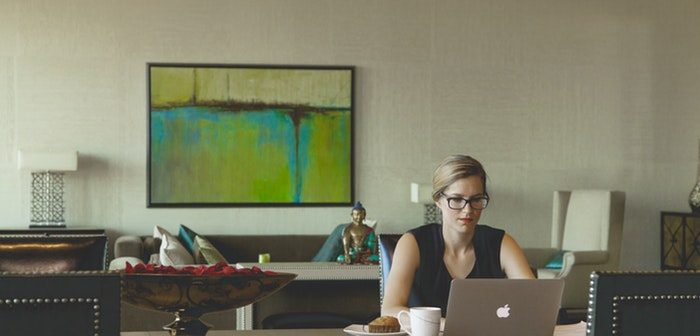 5 Ways Stay-at-home Moms Can Make Money Online