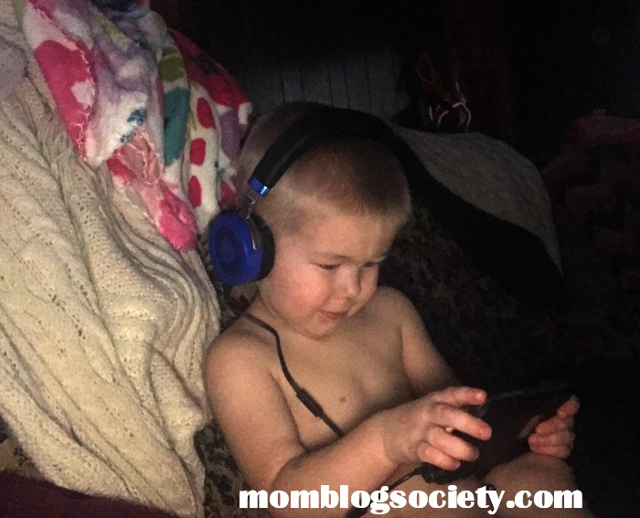 JuniorJams: Volume-Safe Kids Headphones Start the New Year off Right