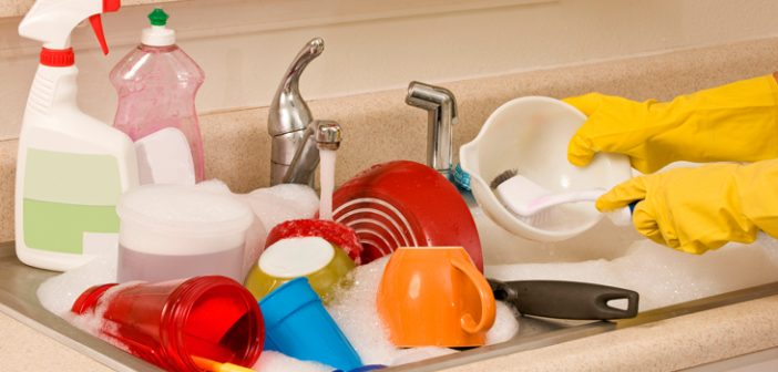 Quick and Easy Kitchen Cleaning Hacks for Working Moms