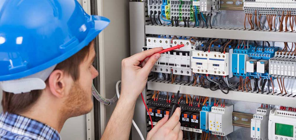 Find An Electrician >> Hiring An Electrician Can Sometimes Be Difficult So Here Are The