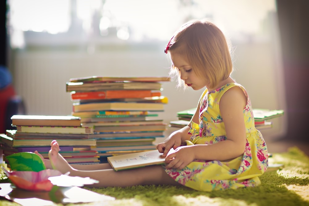 Leisurely Summer Reading Childs Play >> How To Help Your Kids Enjoy Reading Mom Blog Society