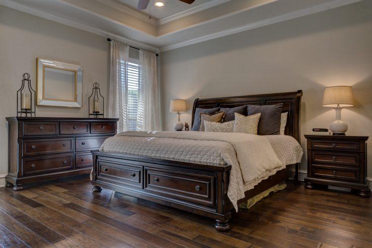 XO Comfort Bedroom