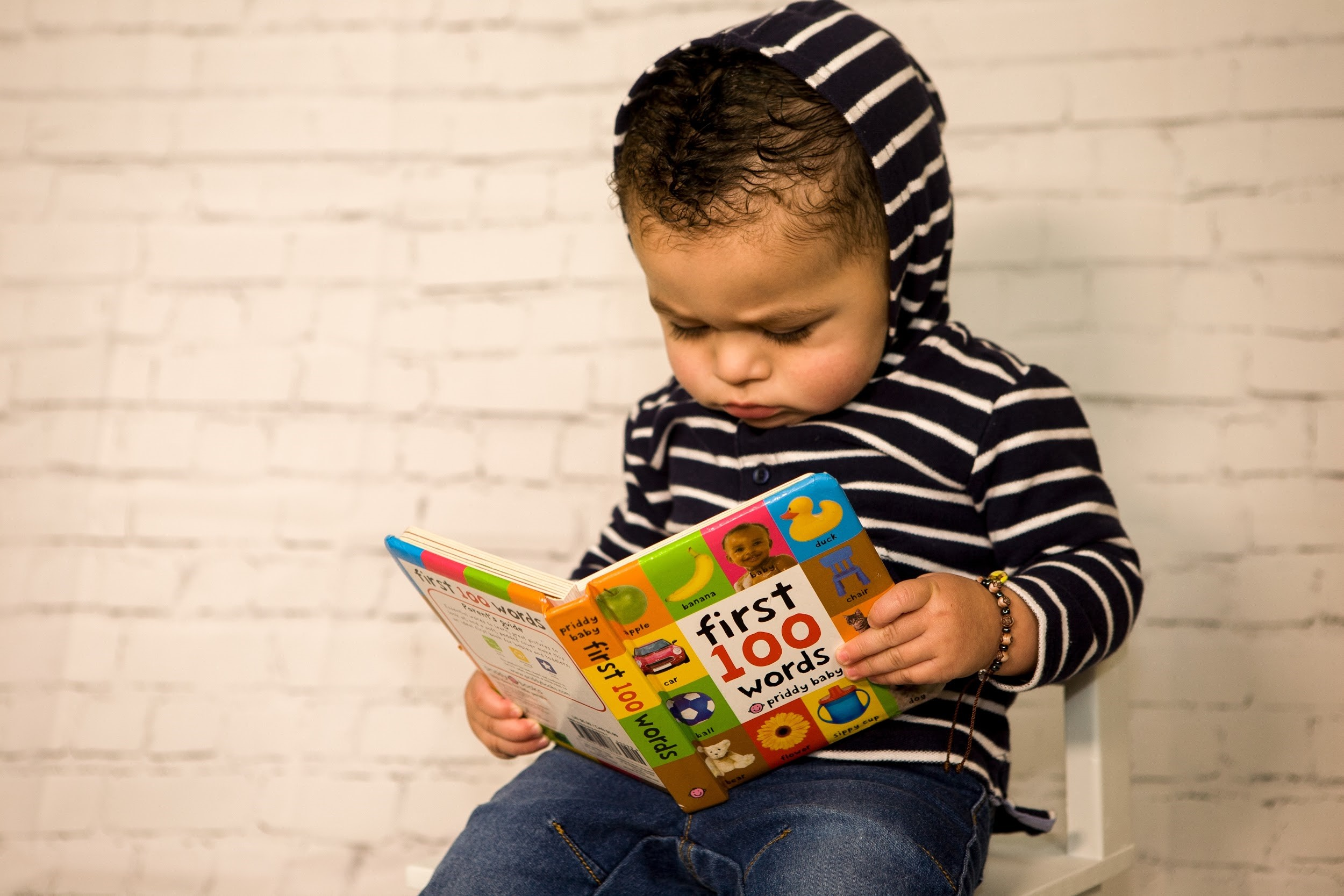 Best Books That Help Kids Learn Their First Words in Spanish