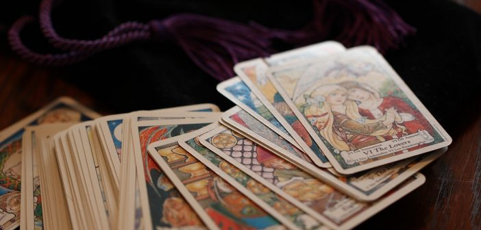 How Accurate Are Tarot Card Readings Online?